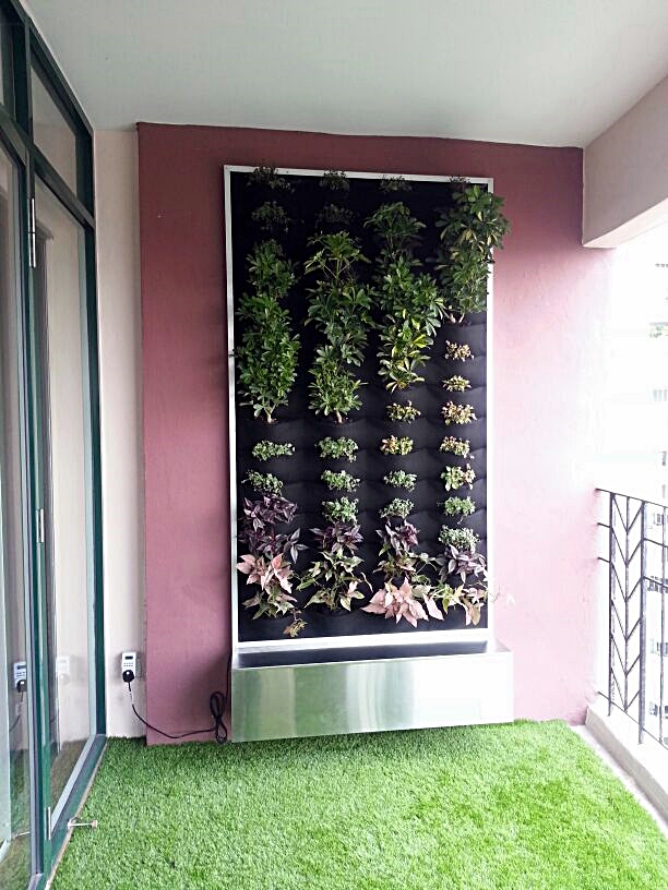 Vertical garden in Mont Kiara by Green On Wall